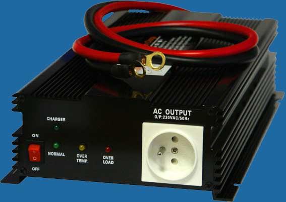 Menič napätia + dobíjačka akumulátora z 24V DC na 230V AC 1000W trvale