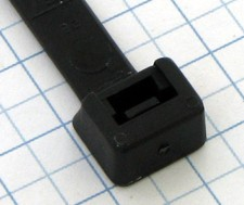 Páska viazacia 300 x 7,8mm čierna-100ks- balenie